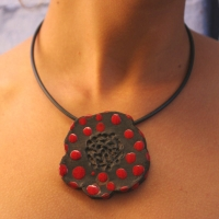 Collier Poppy Lady Bird � parfumer
